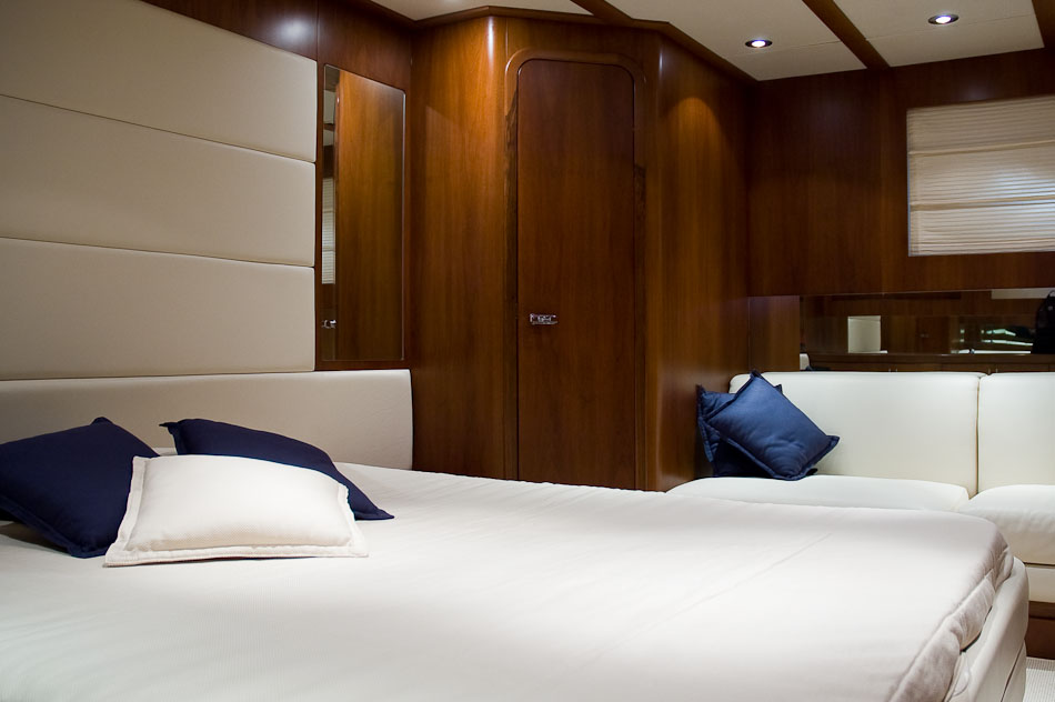 Adv - Yacht Riva Splendida 72